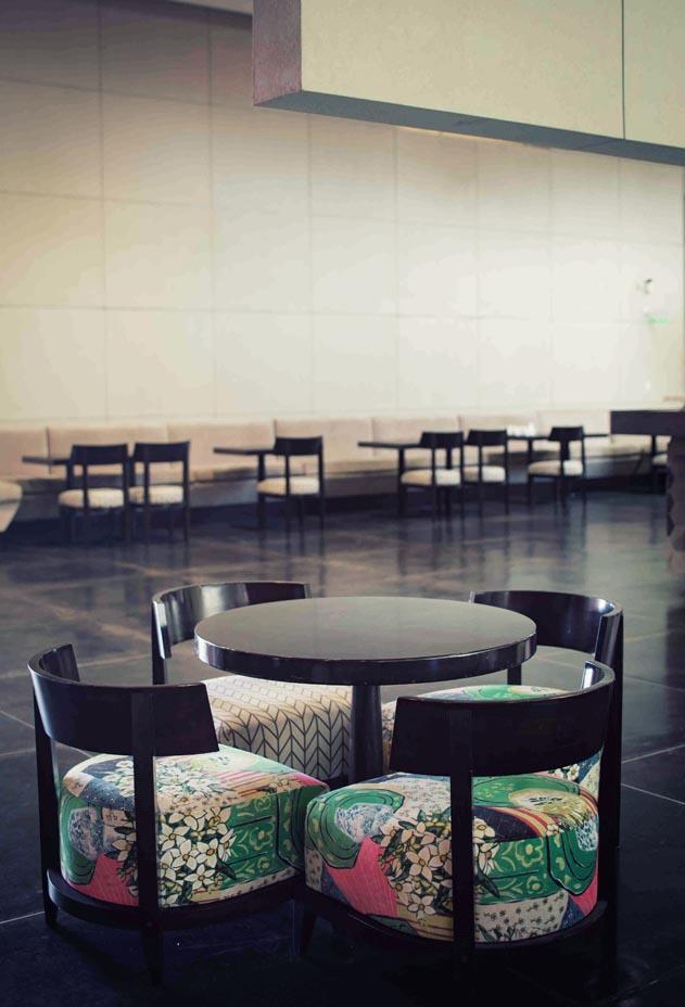 MAIN-vertical-cafe4
